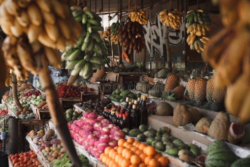 Asiatischer Markt, exotische Fr?chte stockbild