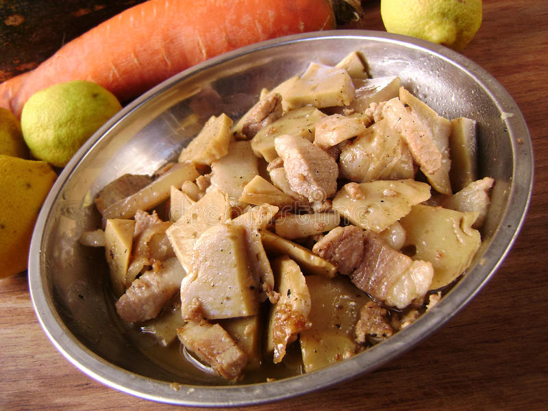 Asiatischer Schweinefleisch Stirfischrogen lizenzfreie stockbilder