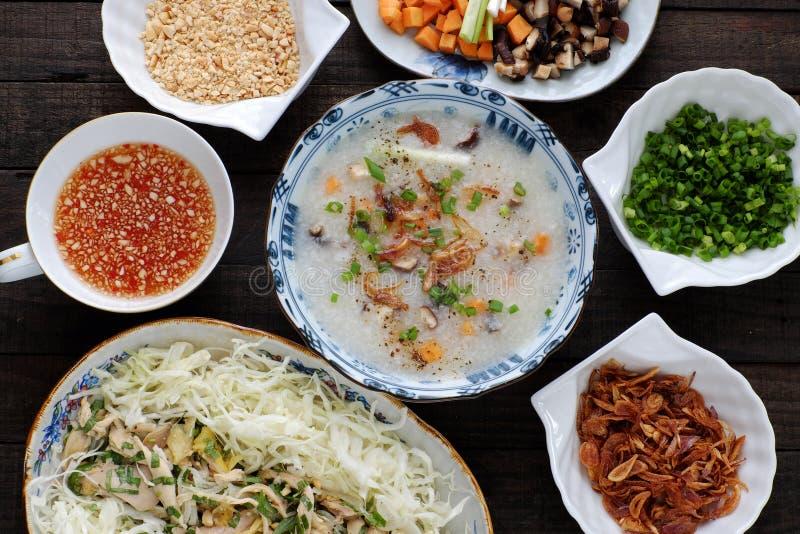 Asiatisches Lebensmittel, Hühnerreismehlsuppe, chao GA lizenzfreie stockfotografie