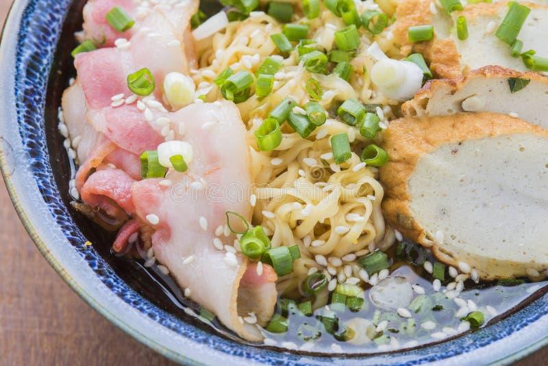 Asiatisches Lebensmittel japanische Ramennudel lizenzfreie stockbilder