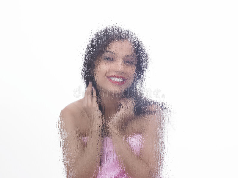 Asiatisches Mädchen im Dampfraum lizenzfreies stockfoto