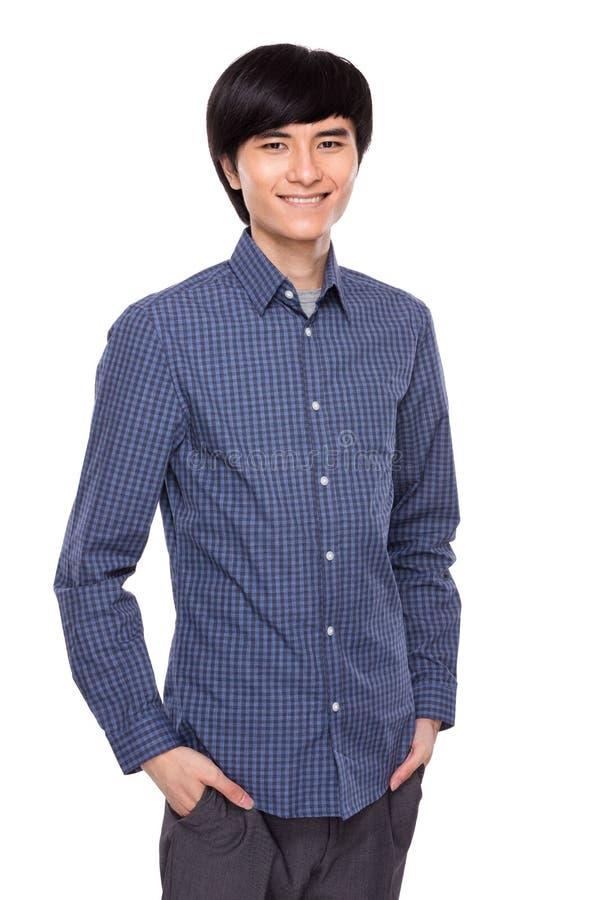 Asiatisches Porträt des jungen Mannes stockfotos