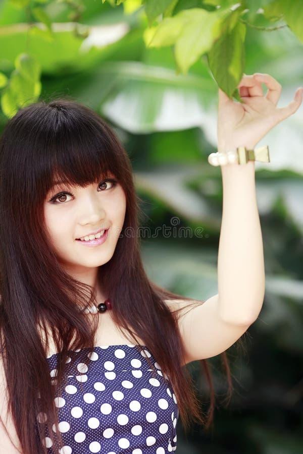 Asiatisches Sommermädchen stockfotos