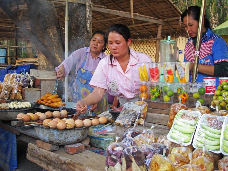Asiatisches Straßenlebensmittel stockfotos