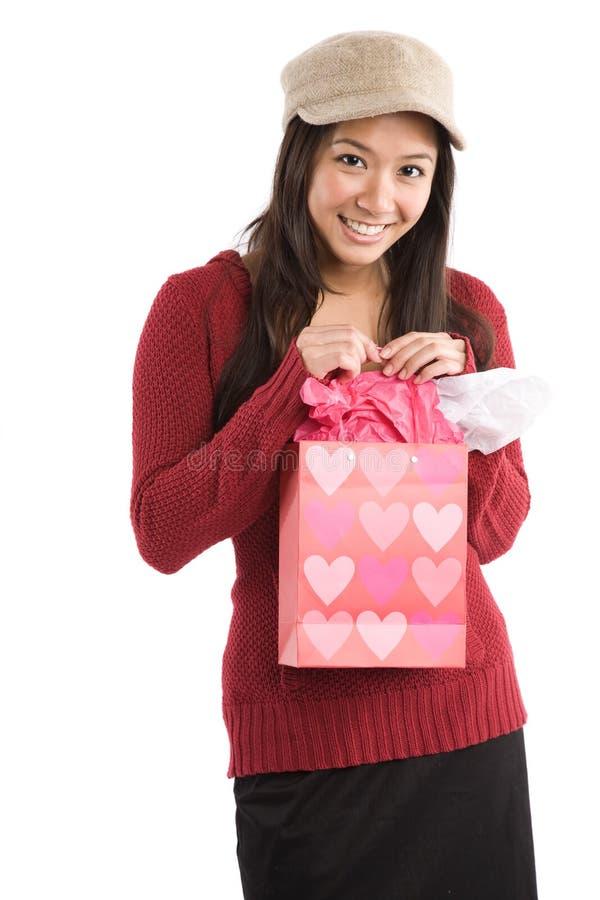 Asiatisches Valentinsgrußmädchen lizenzfreie stockfotos