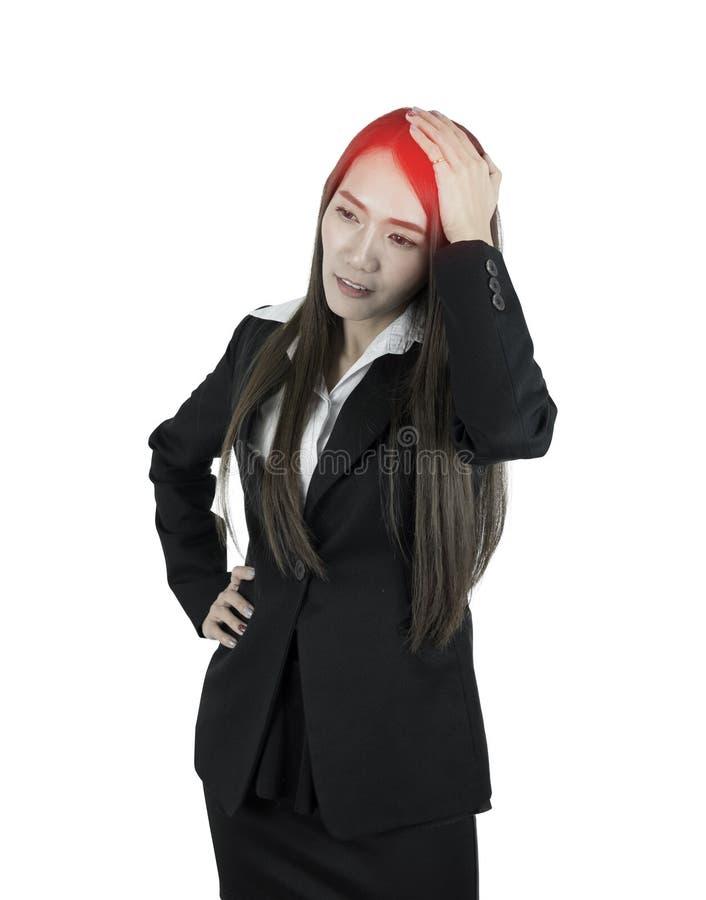 Asiatisk affärskvinna med huvudvärk arkivbild