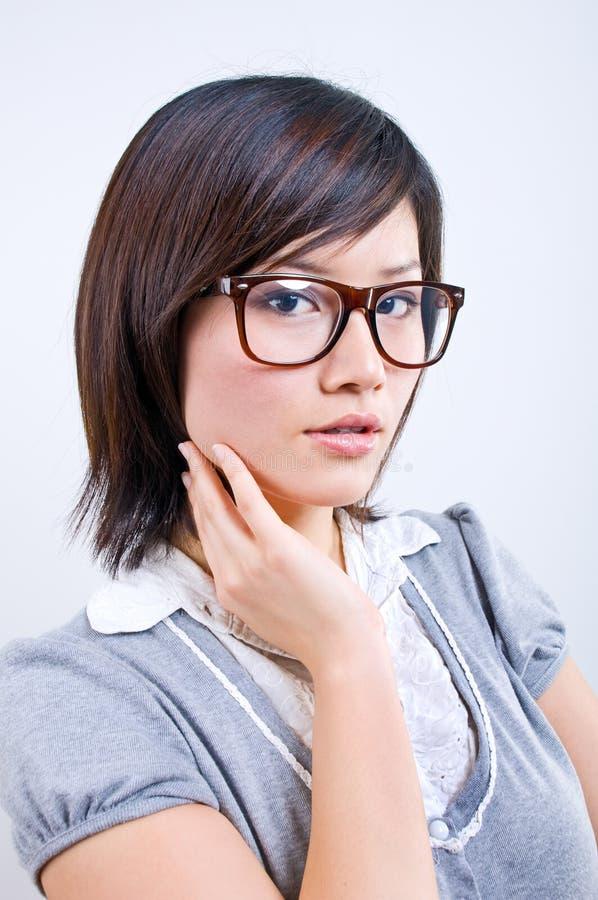 asiatisk affärskvinnastående arkivbilder