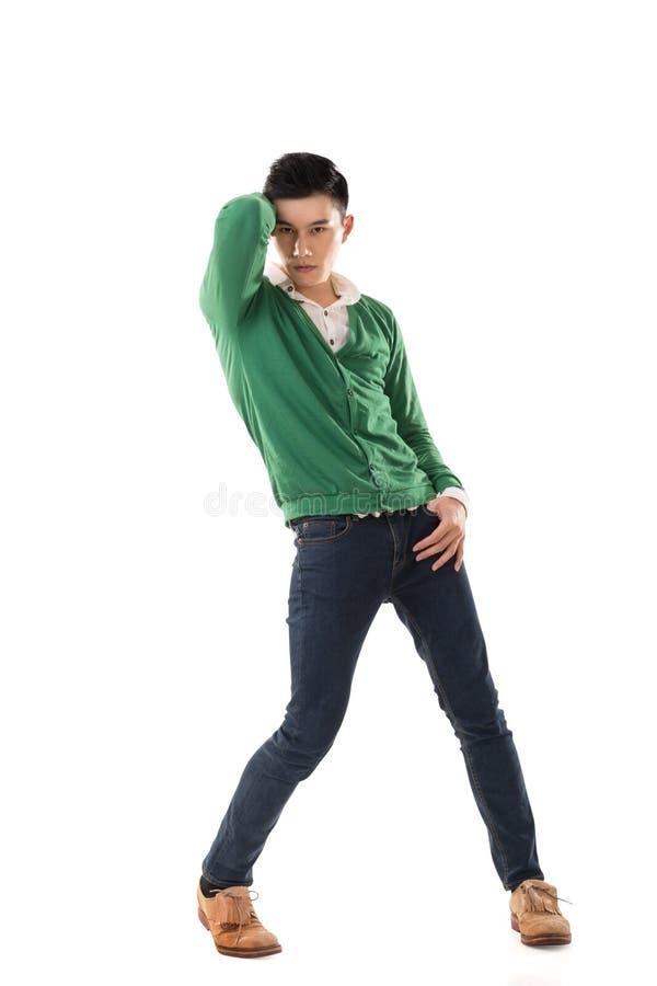 Asiatisk dans för ung man royaltyfri bild
