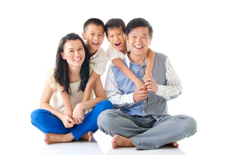 asiatisk familj royaltyfri foto