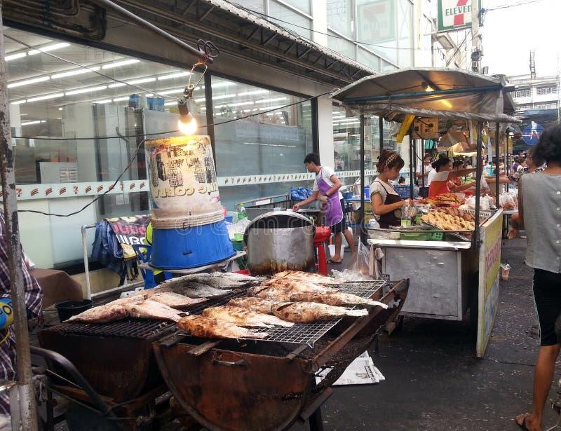Asiatisk gatamarknad royaltyfria foton
