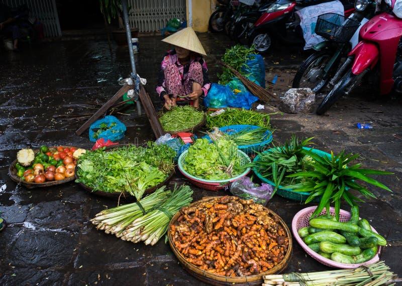 Asiatisk grönsakmarknadsställning arkivbild