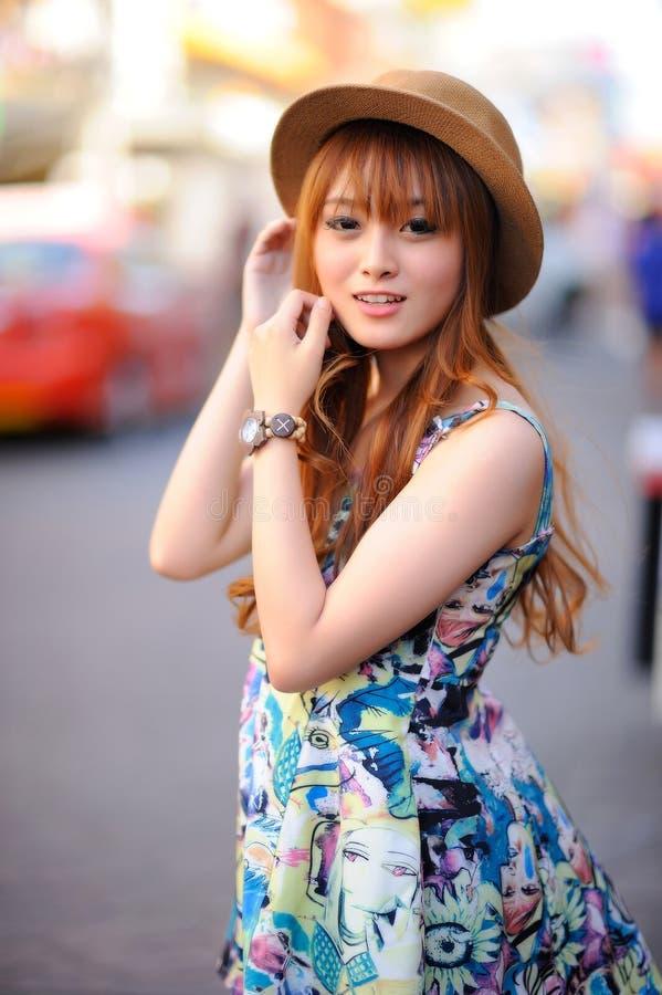 asiatisk härlig flicka fotografering för bildbyråer