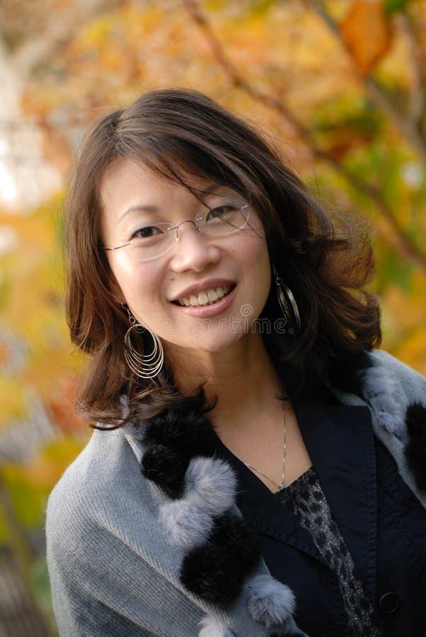 Download Asiatisk kvinna arkivfoto. Bild av färg, mode, glamour - 3544762