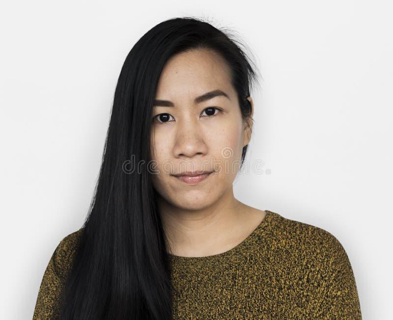 Asiatisk kvinna Front View Serious Concept arkivbild