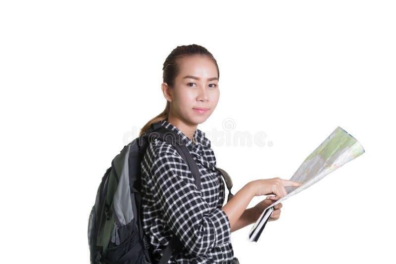 Asiatisk kvinna som bär en ryggsäck och övervakar den turist- översikten i mummel royaltyfri foto