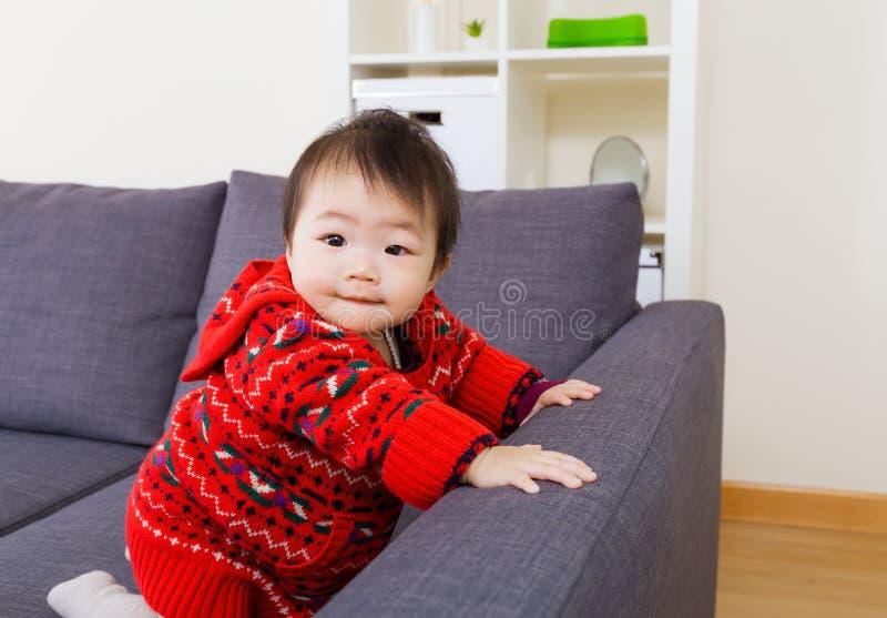 Asiatisk liten flicka arkivfoto