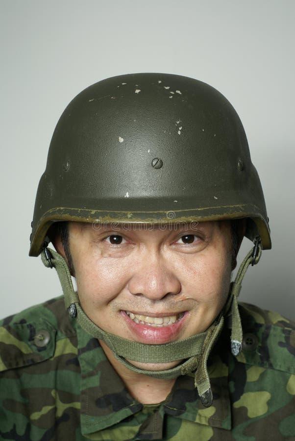 asiatisk lycklig soldat royaltyfria bilder
