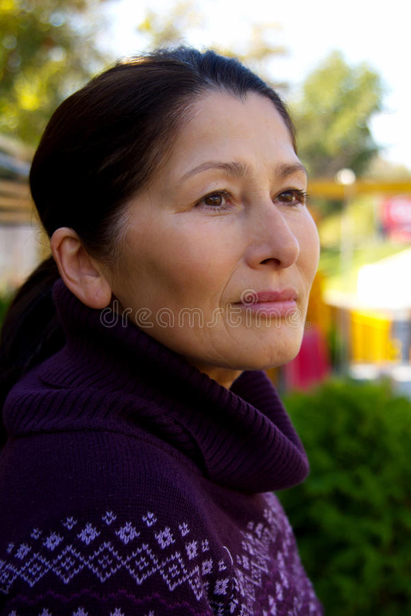 asiatisk mogen kvinna royaltyfri foto