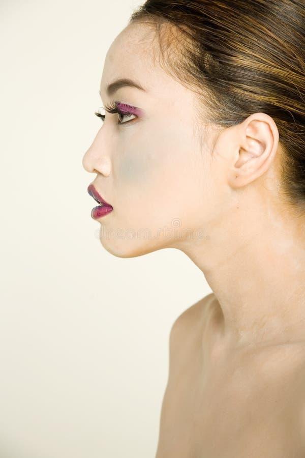 asiatisk nätt kvinna royaltyfria bilder