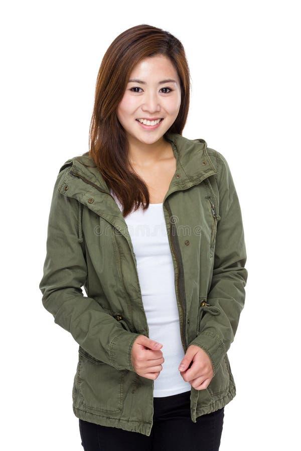 asiatisk ståendekvinna royaltyfri foto