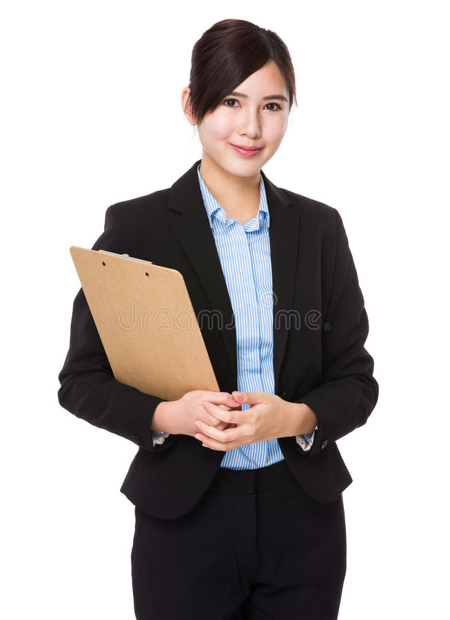 Asiatisk ung affärskvinnahåll med skrivplattan royaltyfri foto
