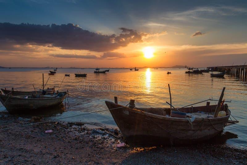 Asiatiska fiskare royaltyfria bilder