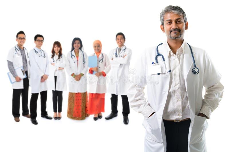 Asiatiska medicinska doktorer royaltyfria foton