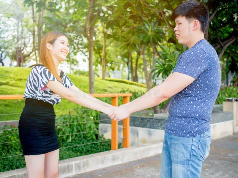 asiatiska kaukasiska gay dating Dating en empatisk person