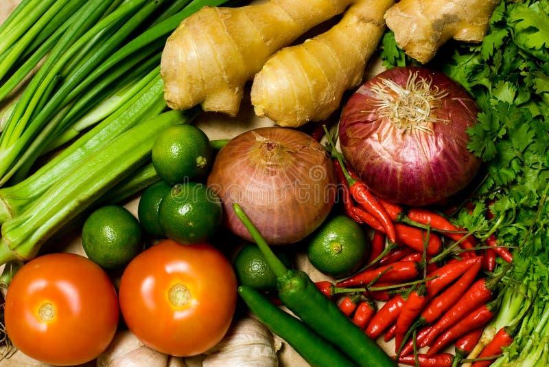 asiatiska utformade matlagningingredienser arkivbilder