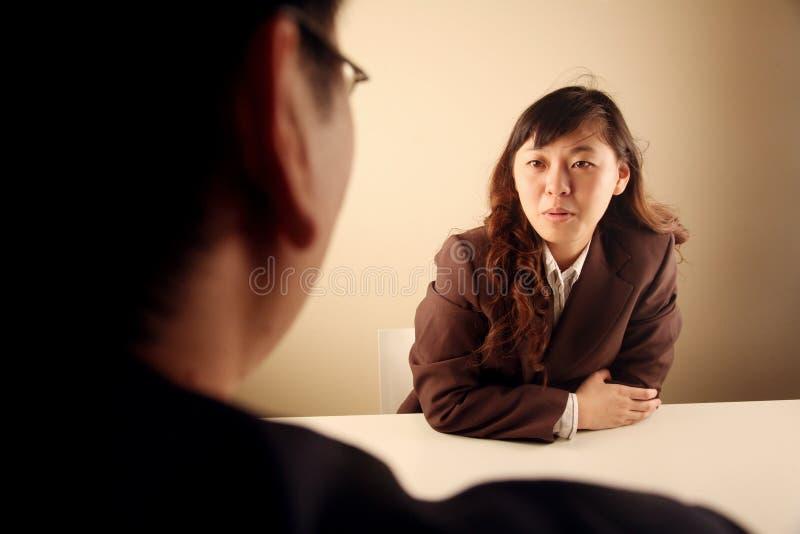 asiatiskt affärskvinnamöte royaltyfri fotografi