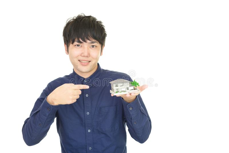 asiatiskt le för man fotografering för bildbyråer