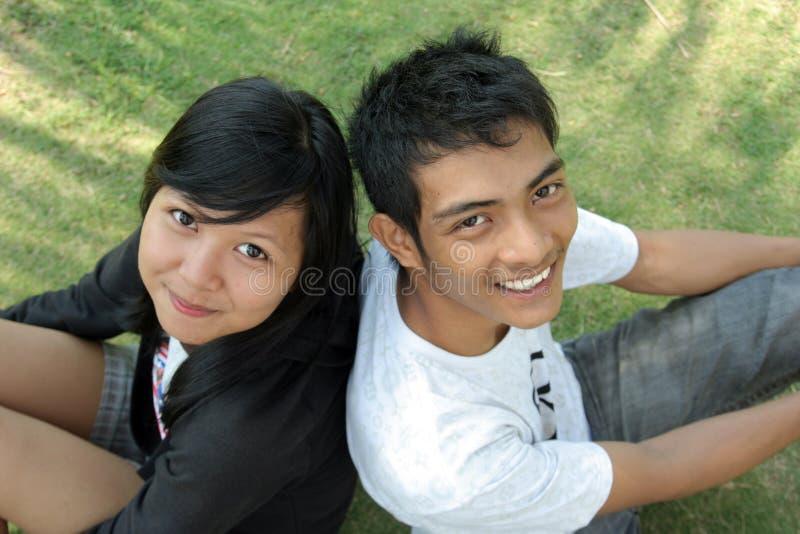 asiatiskt parbarn royaltyfria foton