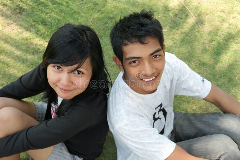 asiatiskt parbarn royaltyfria bilder