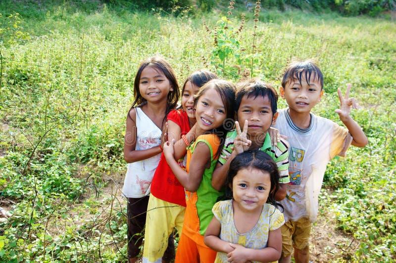 Asien älskvärda barn (ungar) royaltyfria bilder