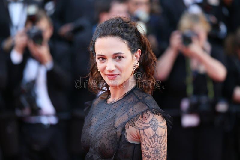 Asien Argento deltar i den Les Fantomes D för spökar för `-Ismael ` s `en Ismael royaltyfria foton