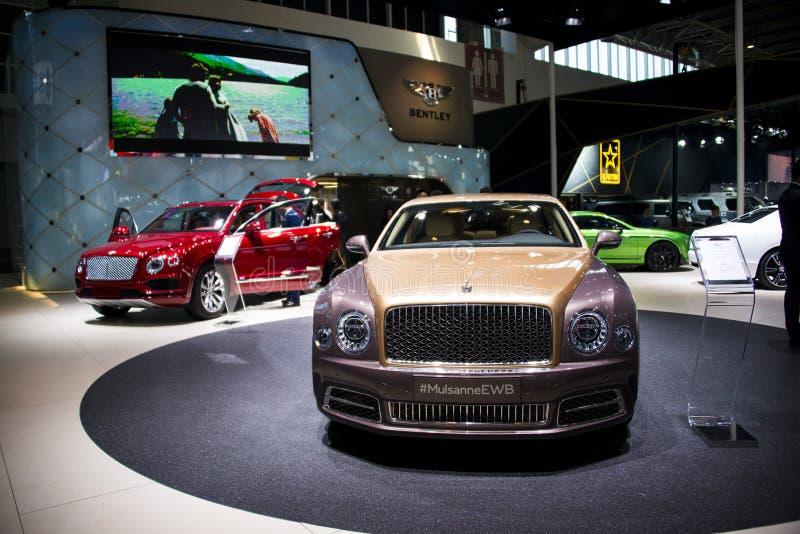 Asien Kina, Peking, internationell utställning för bil 2016, inomhus mässhall, Bentley Mulsanne EWB royaltyfria foton
