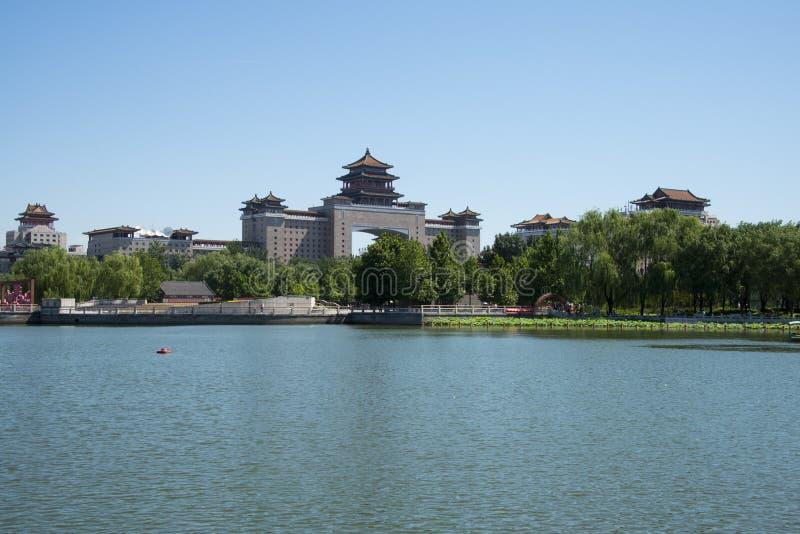 Asien Kina, Peking, lotusblommadammet parkerar, Lakeview, västra järnvägsstation för Peking royaltyfri fotografi