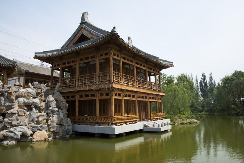 Asien, kines, antika byggnader, paviljonger, terrasser och öppna korridorer royaltyfri foto