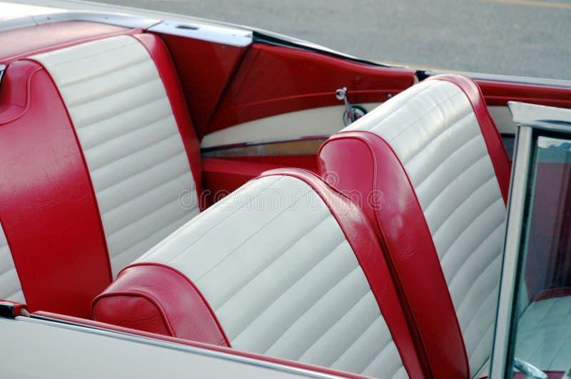 Asientos de coche rojos fotografía de archivo libre de regalías