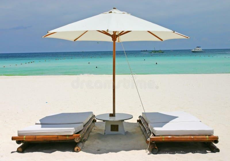 Asientos de la playa de Bora fotos de archivo