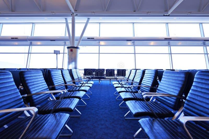 Asientos del terminal de aeropuerto imagen de archivo libre de regalías