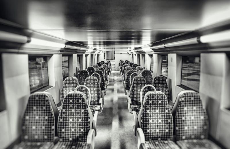 Asientos en un tren fotos de archivo libres de regalías