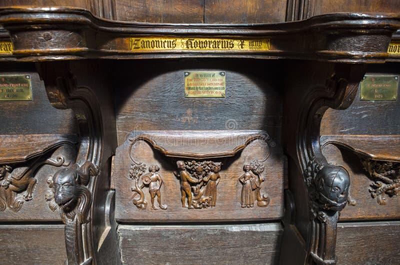 Asientos tallados de madera en Chester Cathedral fotos de archivo libres de regalías