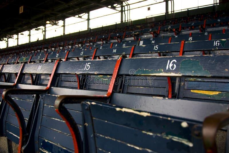 Asientos vacíos del estadio imagen de archivo libre de regalías