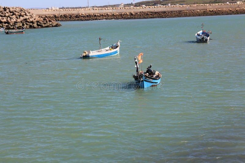 Asilah strand i kostnaden av Marocko royaltyfria foton
