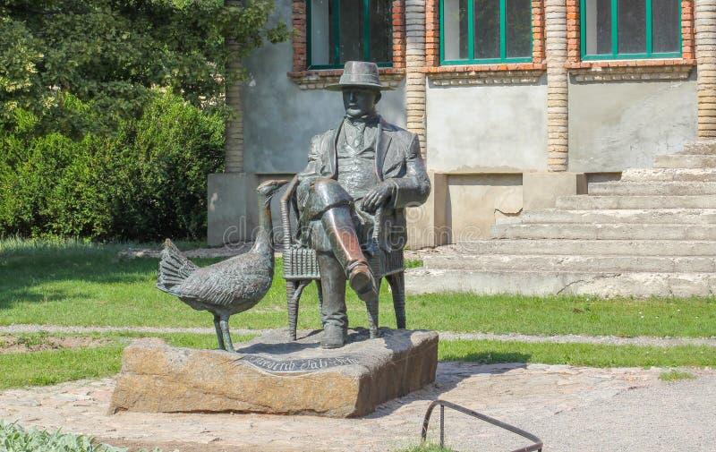 Askania-Nova, region Cherson, Ukraina - Pomnik Friedrich Falz Fein, który założył słynną ukraińską Askanię na całym świecie fotografia royalty free
