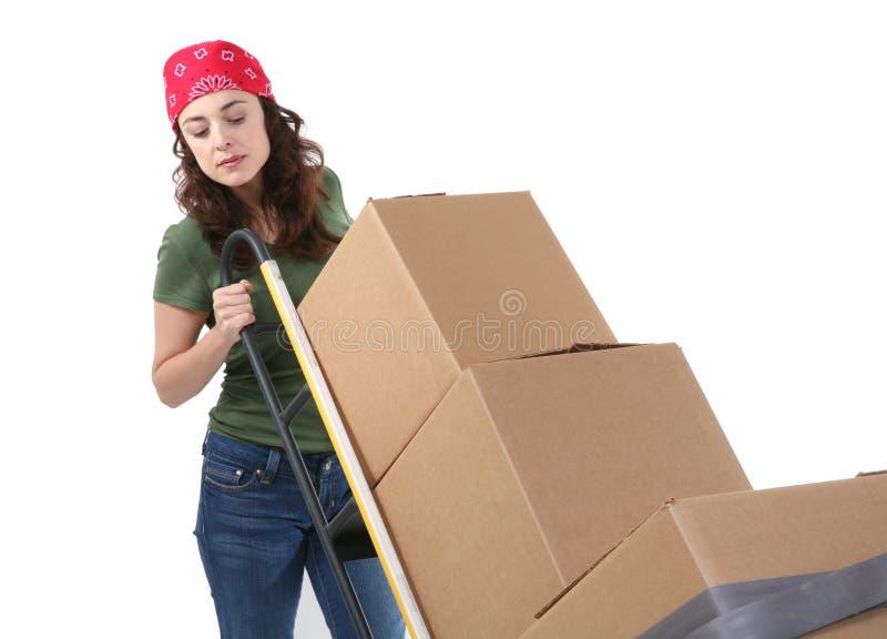 askar som flyttar kvinnan royaltyfri foto