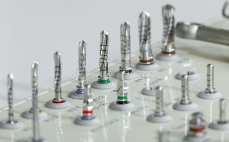 Askplast-uppsättningen av borrar denkodifierade läkarundersökningen royaltyfria foton