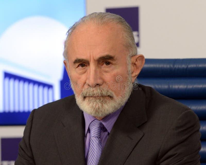 Aslambek Aslakhanov - político ruso, miembro del consejo de la federación Diputado Chairman del comité de consejo de la federació foto de archivo