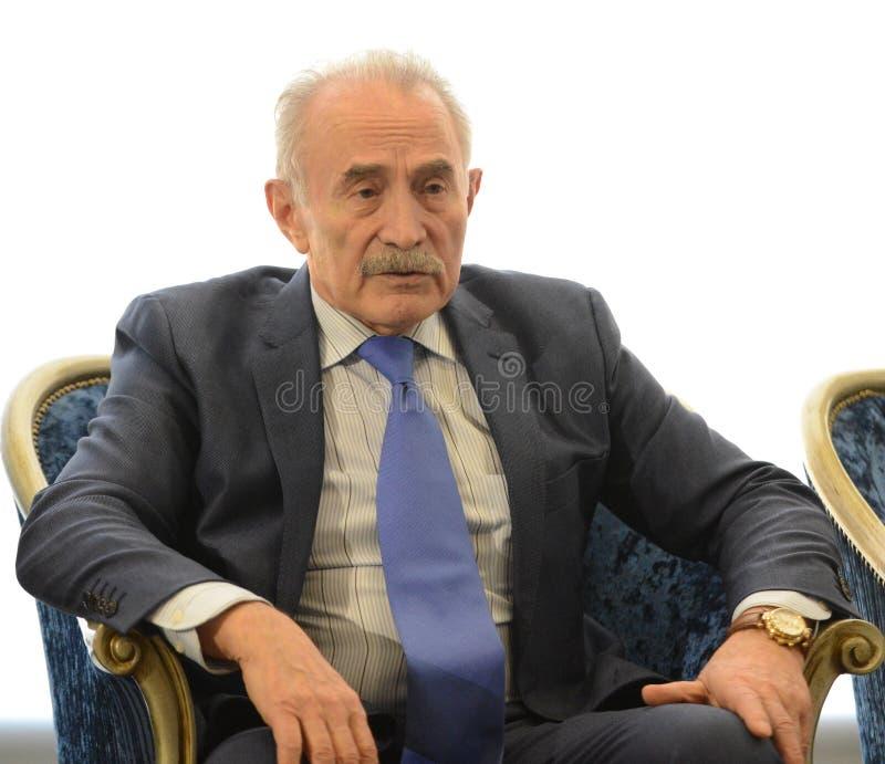 Aslambek Aslakhanov - político ruso, miembro del consejo de la federación Diputado Chairman del comité de consejo de la federació imagenes de archivo